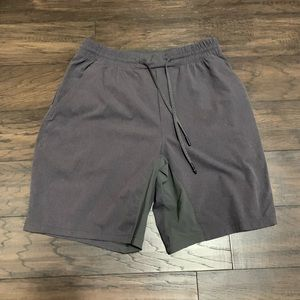 Men's medium Lululemon lightweight workout shorts